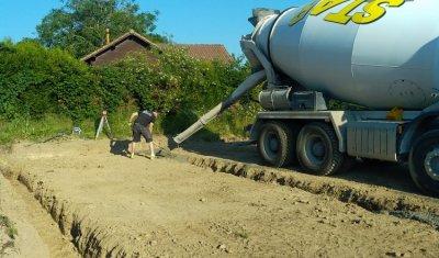 Terrassement terrain pour construction de maison individuelle à Charbonnières-les-Vieilles